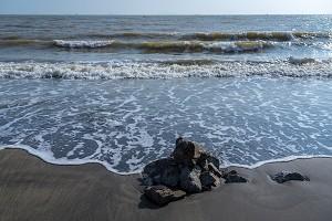 黑沙海滩1.jpg
