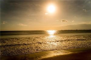 金巴兰海滩1.jpg